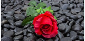 černé kameny na hrob - mramor